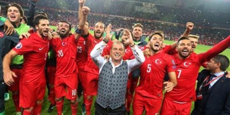 Euro 2016 kadrosuna imalı tweet'le tepki