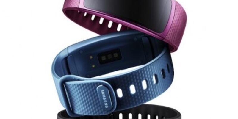 Samsung Gear Fit 2 ve Gear IconX Resmen Tanıtıldı