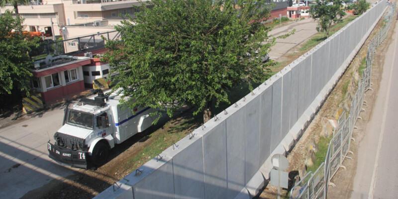 ABD Konsolosluğu'nda beton duvarlı terör önlemi