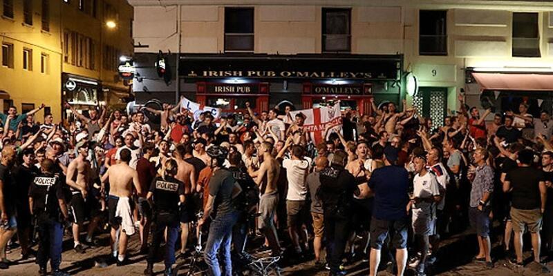 İngilizler Euro 2016'ya hızlı başladı: 2 göz altı