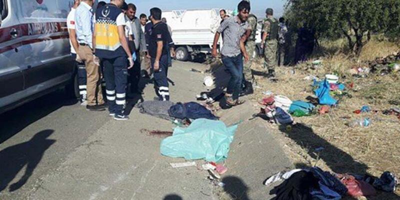 Suriyeli tarım işçilerini taşıyan kamyonet devrildi: 2 ölü, 25 yaralı