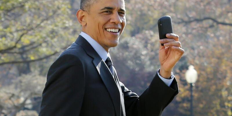 Obama yeni telefonunu canlı yayında açıkladı