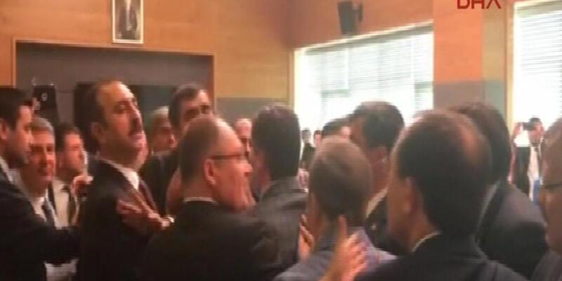 AKP ve CHP'li vekiller birbirine girdi