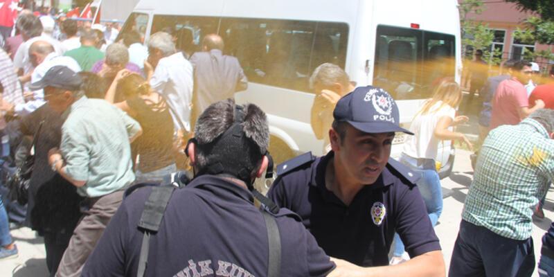 10. Yıl Marşı yasağını protestoya polis müdahalesi