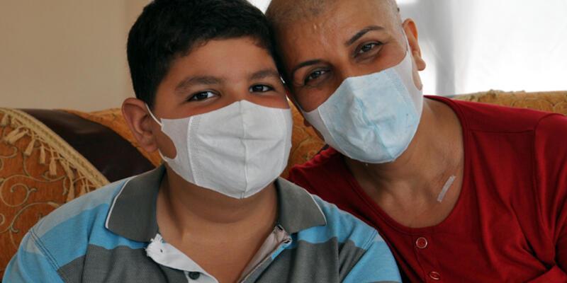 Ana oğulun kansere karşı  mücadelesi