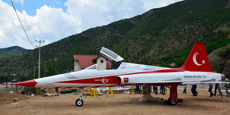 Gümüşhane'ye savaş uçağı getirildi