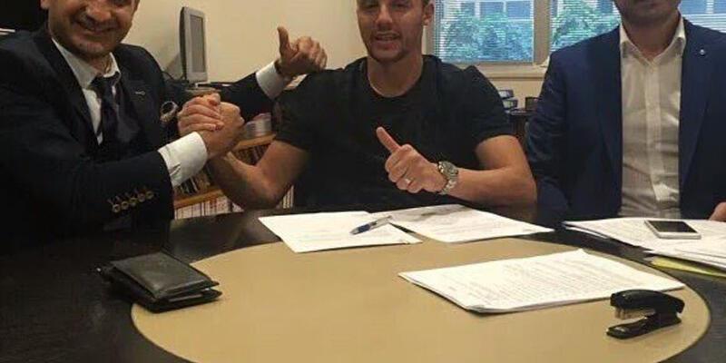 Fenerbahçe Aatif ile 3 senelik sözleşme imzaladı