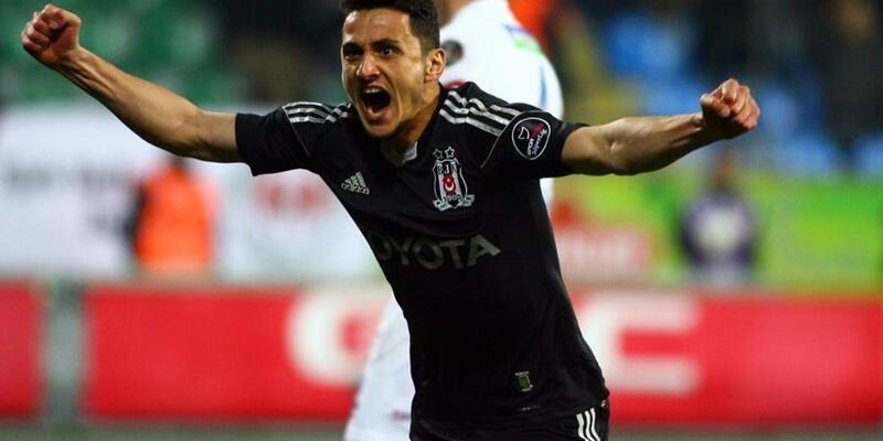 Mustafa Pektemek Başakşehir'e transfer oldu
