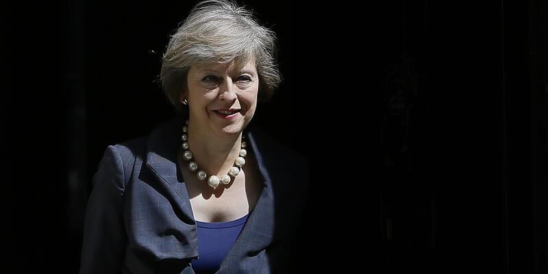 Theresa May, bugün başbakanlık görevini devralıyor