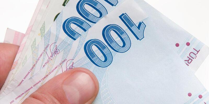 Darbe girişimini fırsata çeviren dolandırıcılar 100 bin lira çaldı