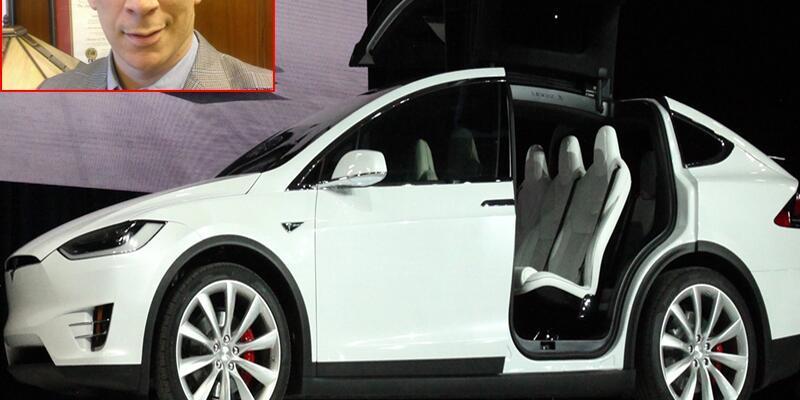 Tesla otomobil sürücüsünü hastaneye yetiştirdi