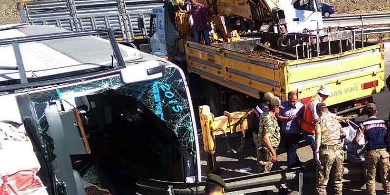 Gaziantep'te feci kaza: 4 ölü, çok sayıda yaralı
