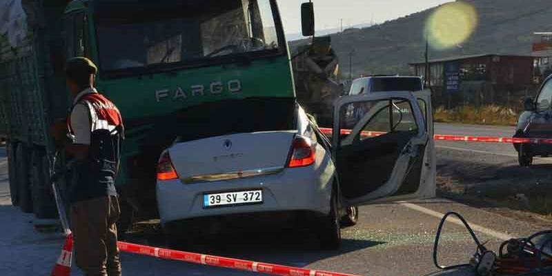 İzmir'de feci kaza: 3 ölü