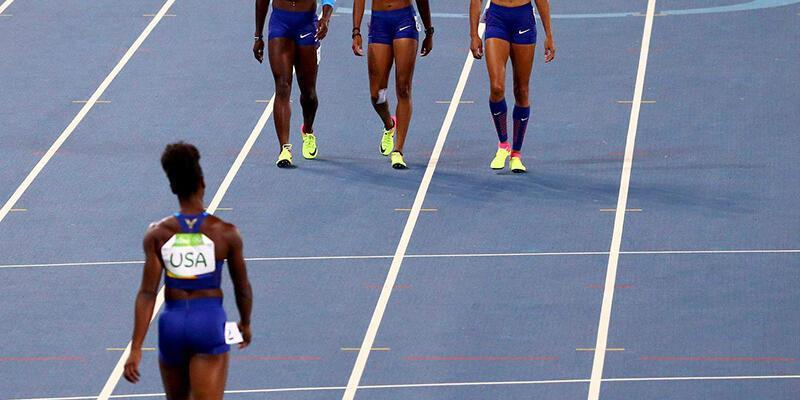 ABD 4x100 metrede tek başına koştu