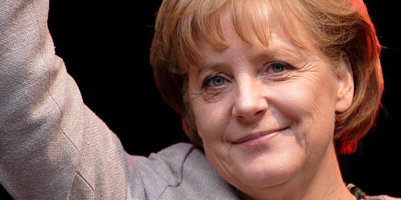 Almanların yarısı Merkel'in 4'ncü kez başbakanlığına karşı
