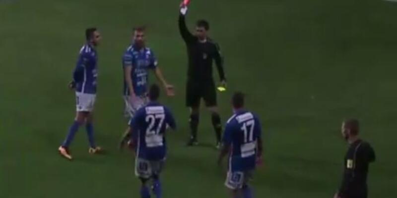 Tuhaf gol sevinci yüzünden oyundan atıldı
