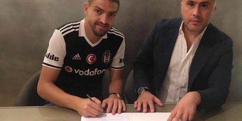Caner Erkin Beşiktaş'a resmi imzayı attı