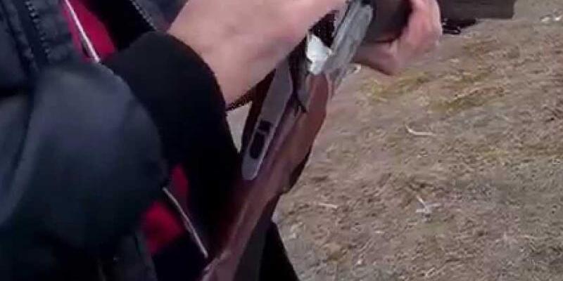 Kavga ettiği oğlunu av tüfeğiyle yaraladı