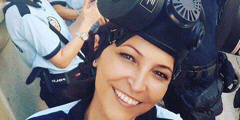 Kadın polise tokat atıp gözüne parmağını soktu