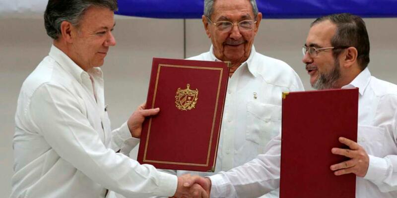 Kolombiya'da halk barışa 'hayır' dedi