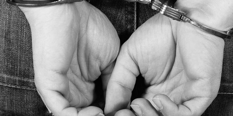 Cezaevi müdürü uyuşturucu iddiasıyla tutuklandı
