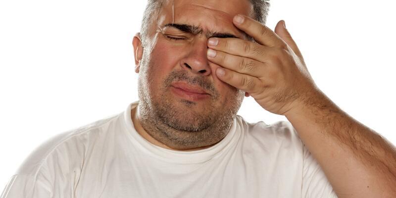 Metal şişe kapakları göz yaralanmalarına neden oluyor