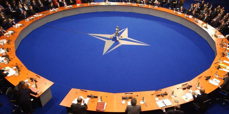 NATO'da 50 askeri personel sayısı 9'a düştü