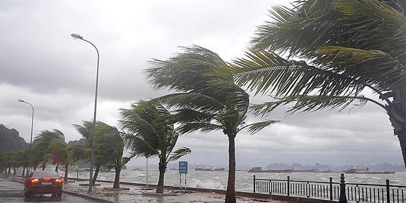 Marmara Denizi'nde fırtına: 3 yaralı