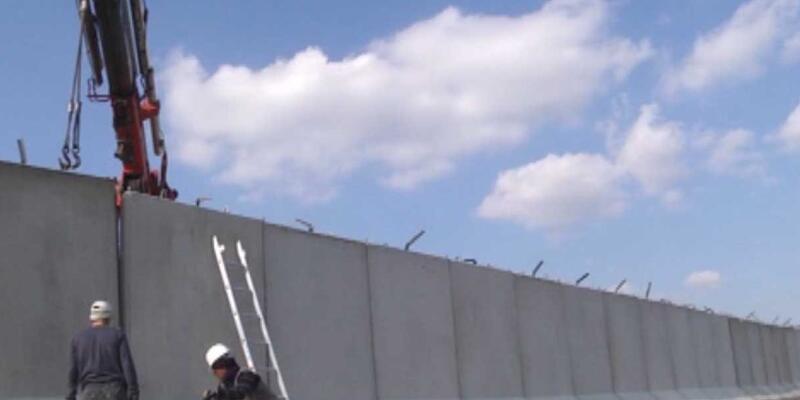 Sınır güvenliği için Akçakale'ye beton duvar