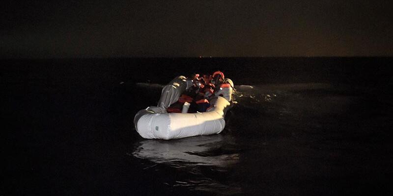 Akdeniz'deki göçmen kafilelerine 'terör' kalkanı