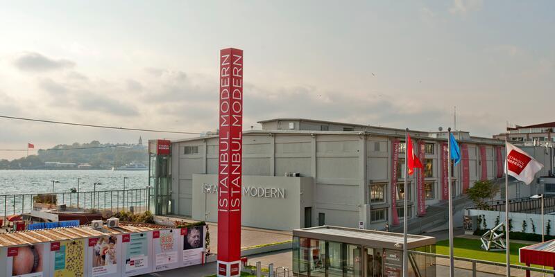 İstanbul Modern'de perşembe günleri biletler Ülker'den