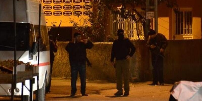 Adana'da Emniyet yakınında ses bombası patladı