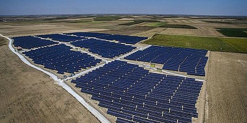 Konya'ya 1 milyar dolarlık güneş enerjisi santrali