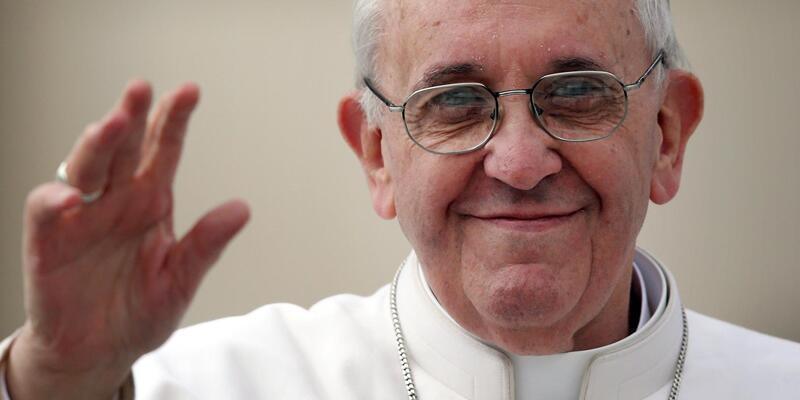 Vatikan: Yakılan bedenlerin külleri de gömülmeli
