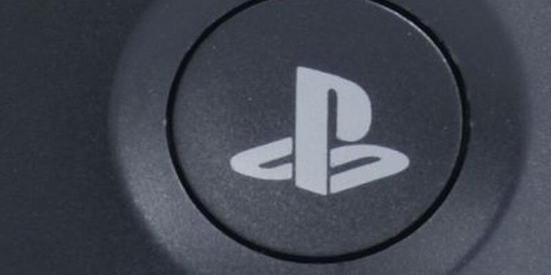 Playstation 4 Pro için 80'ler kokan reklam filmi