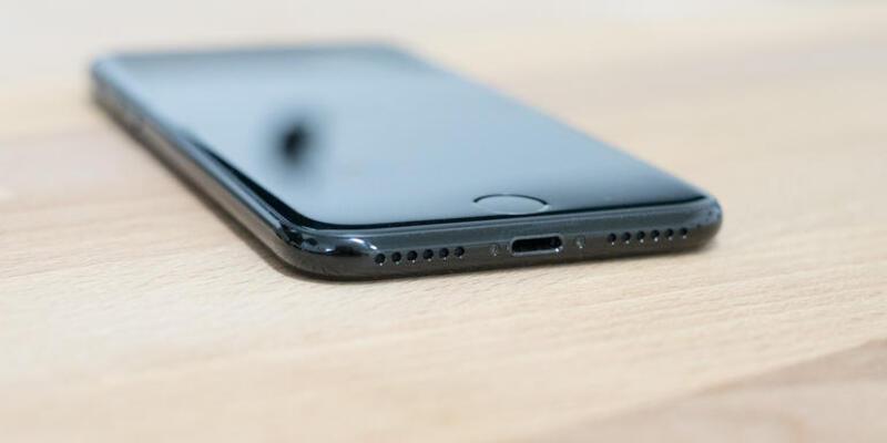 Foxconn, Apple için kablosuz şarj aksesuarı üretiyor!