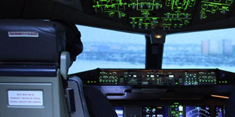 Yolcu hastalandı pilot acil inişe geçti
