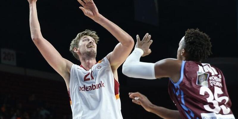 Galatasaray Odeabank Trabzonspor'u geçti