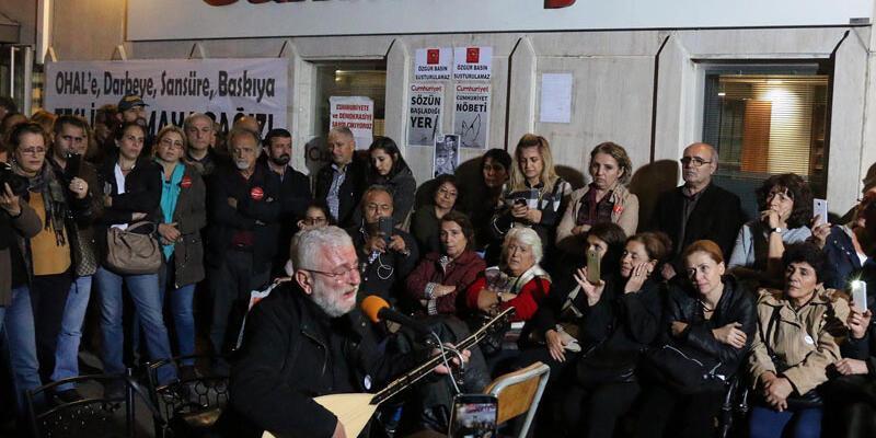 Sanatçılardan Cumhuriyet gazetesine destek