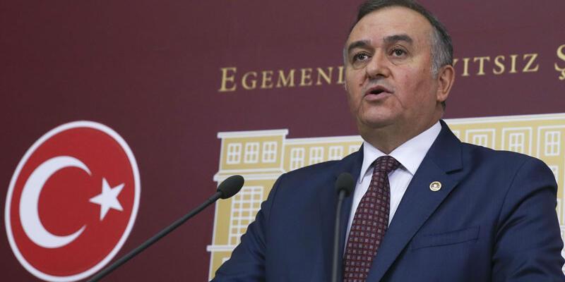 MHP'li Akçay:  Biz, cumhursuz başkanlığa geçit vermeyiz
