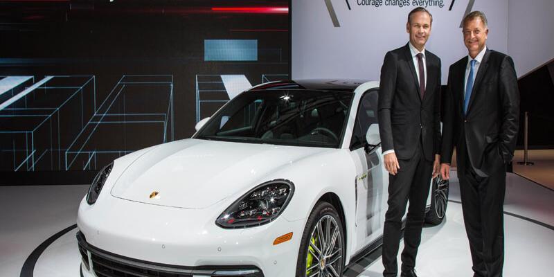 Porsche Panamera'nın yeni  ailesi  Los Angeles'da