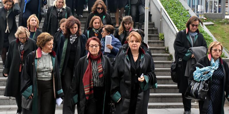 Kadın avukatlardan önerge protestosu