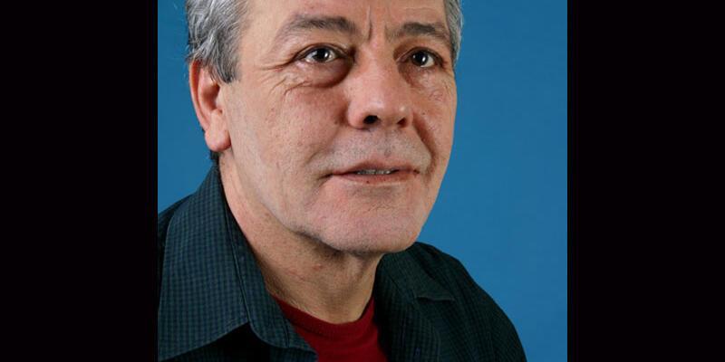 Merdivenden düşen tiyatro sanatçısı Münir Akça vefat etti