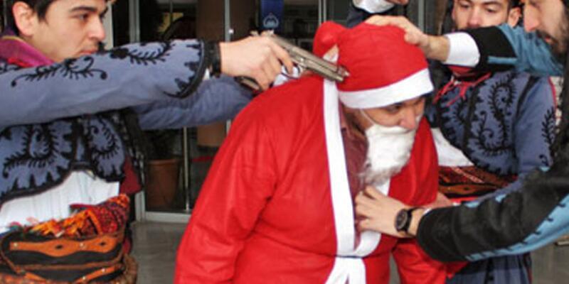 Noel Baba protestosuna soruşturma yok