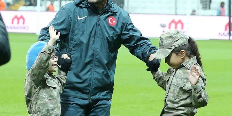 Sneijder'in annesi: Dua ediyorum