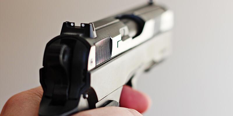 Otoparkta silahlı saldırı: 3 yaralı