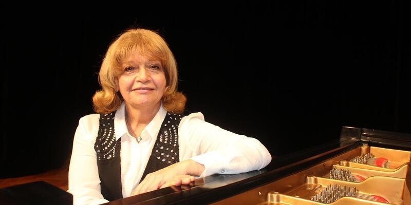 Adana Valiliği İdil Biret'in konserini iptal etti
