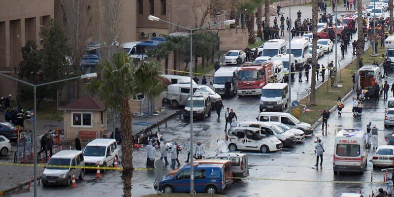 İzmir'deki terör saldırısında 5 adliye çalışanı da gözaltında