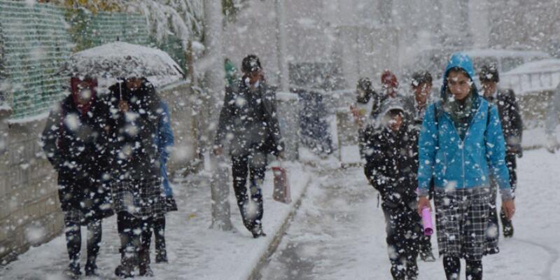 İzmir'de okullara kar tatili