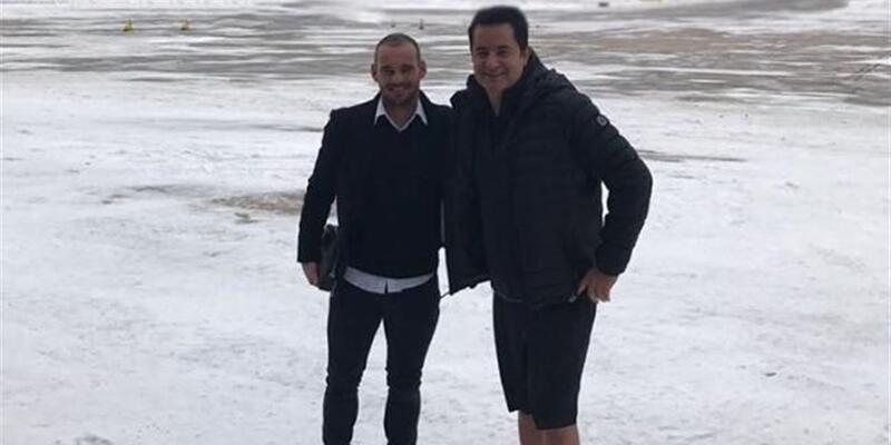 Acun ve Sneijder'in uçağı Çorlu'ya zorunlu iniş yaptı